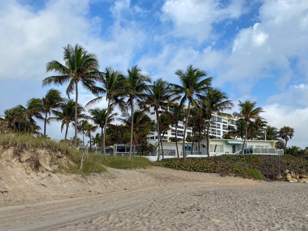 the beautiful beach in Deerfield Beach, Florida